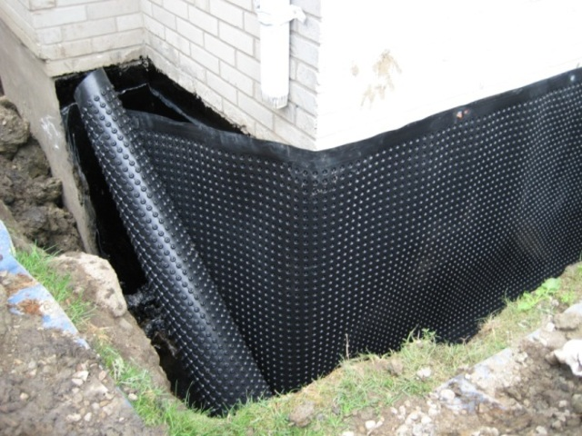 Exterior Waterproofing: A Long-Lasting Solution to Water Problem in the Basement